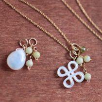 白蝶貝+天然石の3チャームネックレス