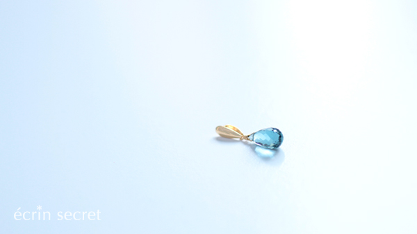 雫型ロンドンブルートパーズK18チャーム